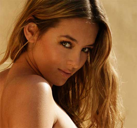 Page 3s Desktop Keeley Hazell